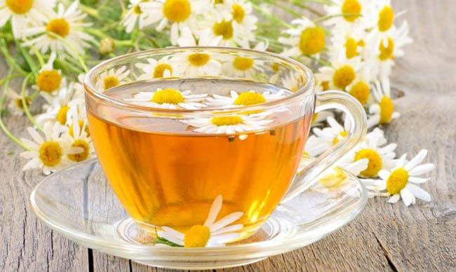 Чай з ромашки при вагітності: користь і протипоказання