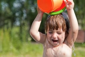 Особливості загартовування дитини влітку, восени, взимку