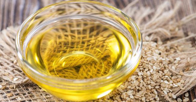 Правильне застосування і властивості кунжутного масла