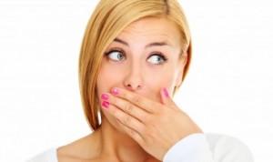 Гіркота в роті у дівчини