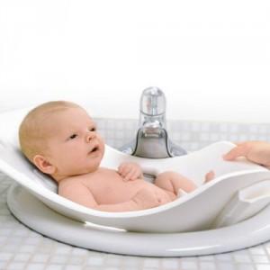 Купання новонародженого