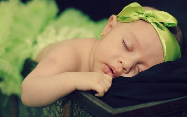 Коли діти починають бачити сни