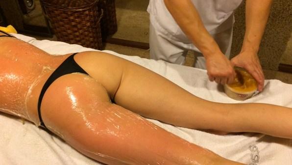 Антицелюлітний масаж медовий