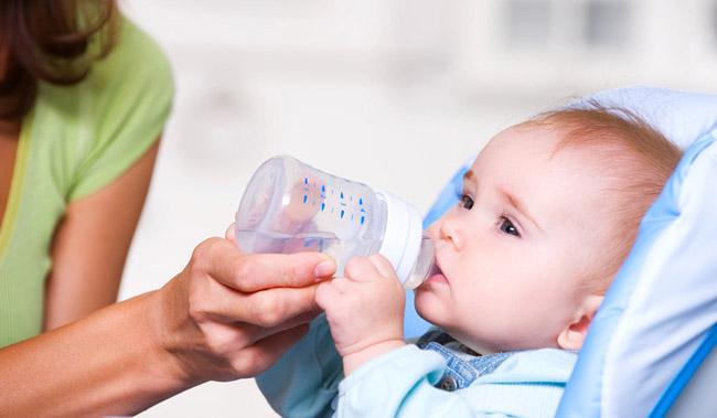 Вода при грудному годуванні
