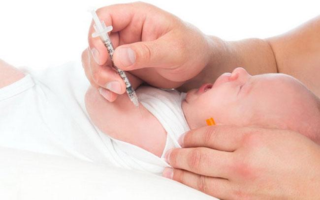 Щеплення від гепатиту дітям: за і проти