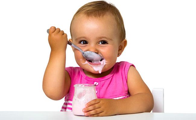 З якого віку дітям дають йогурт. Як приготувати йогурт вдома?
