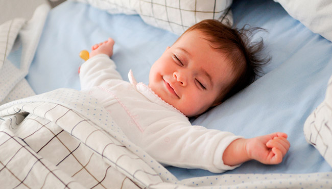 Дитина не хоче спати: 8 причин