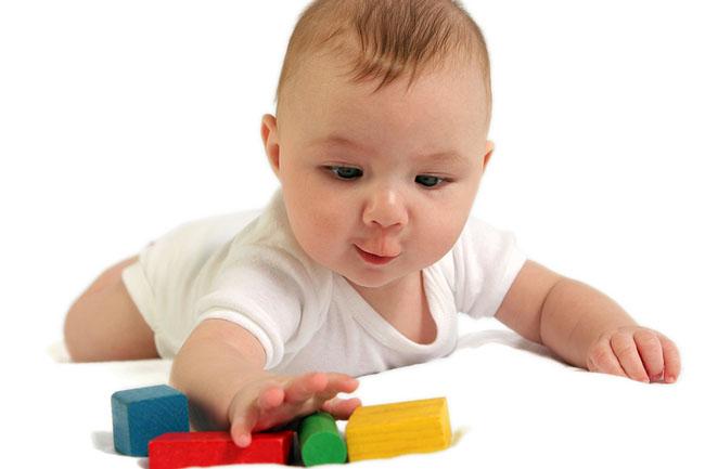 Розвиток дитини в 5 місяців