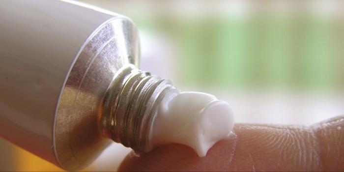 Клотримазол, як і будь-який лікарський засіб, може викликати ряд побічних ефектів, які купуються за припинення використання препарату