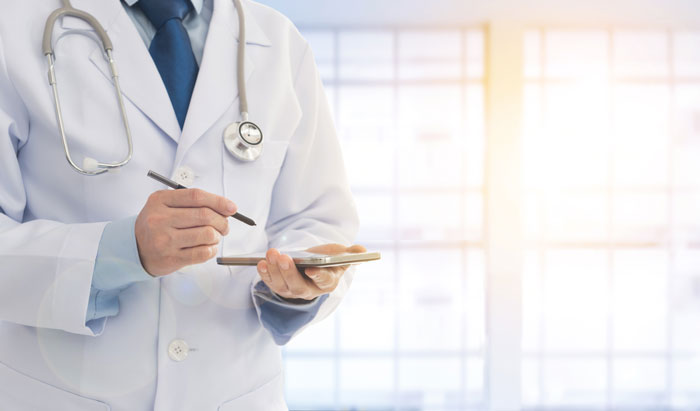 Рак яєчників: симптоми і лікування. 6 питань онкологу