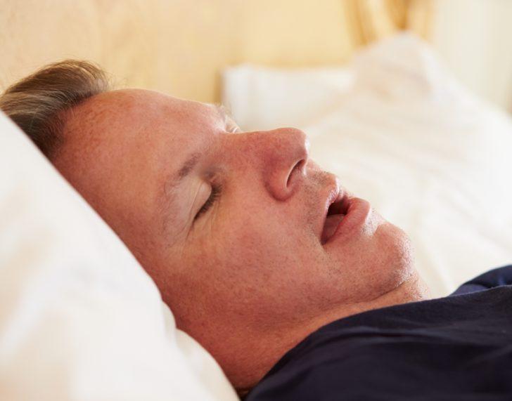 Апное сну - це раптова зупинка дихання