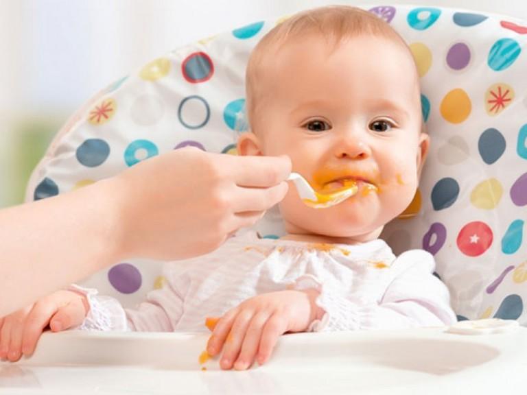 Харчування (меню) 6 місячної дитини: введення прикорму
