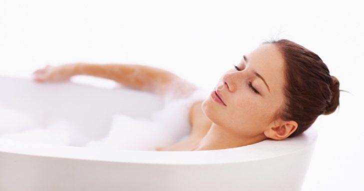 Тепла ванна допоможе зняти спазм