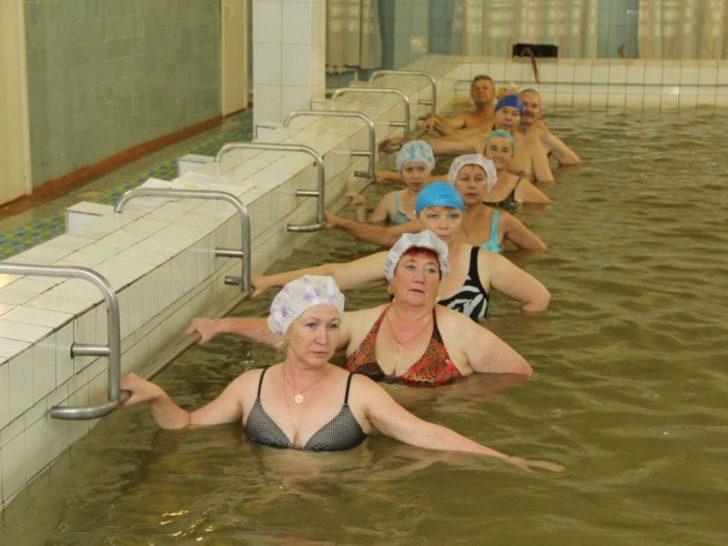 Гімнастика у воді дуже корисна для хребта