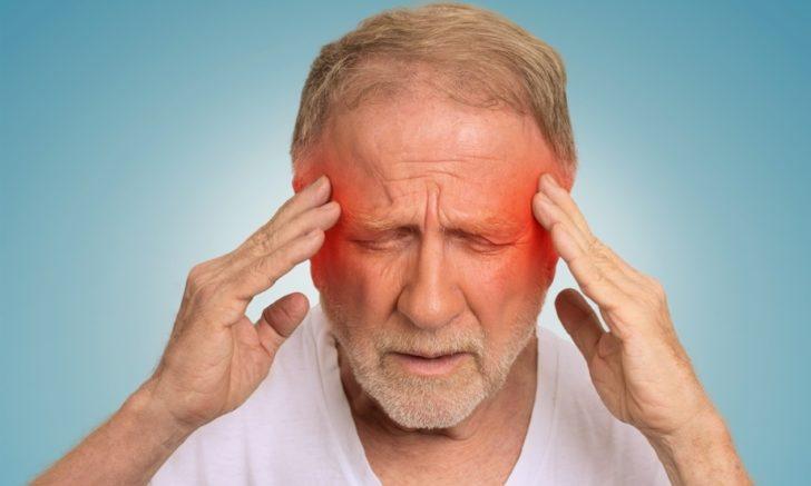 Головний біль - перша ознака інтоксикації