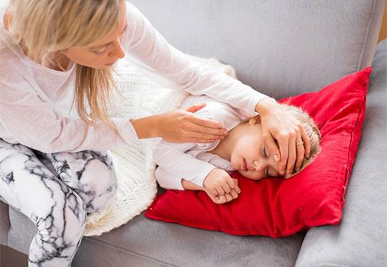 Температура у дитини після щеплення: скільки може триматися і що робити