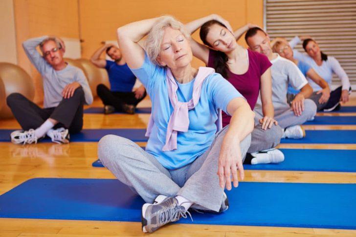 Групові заняття в залі також добре позначаються на стані пацієнток