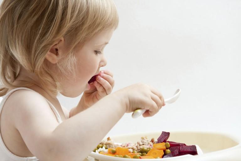 Дитина відмовляється від їжі: що робити? 12 кроків