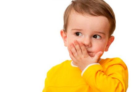 Чому дитина в 2-3 роки не розмовляє - причини, і що робити батькам?