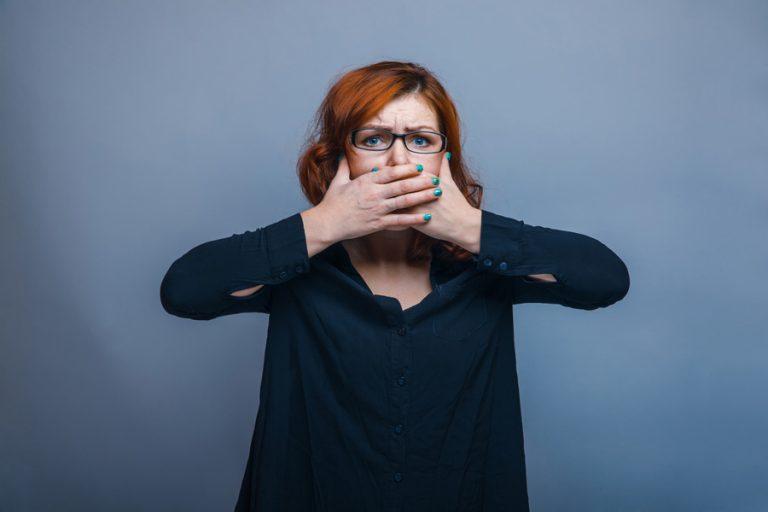 Запах з рота: що робити? Чому з рота погано пахне?