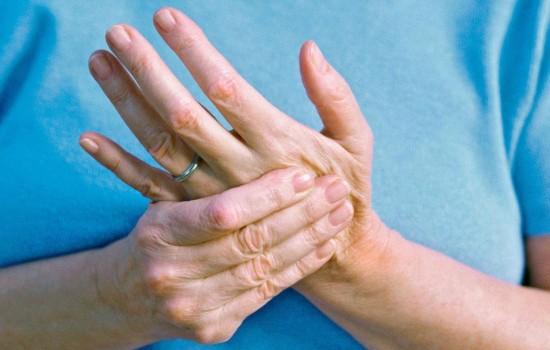 Зводить кисті рук - причини неприємного симптому. Дізнайтеся, яким має бути лікування, якщо зводить кисті рук і що робити