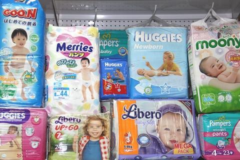 Памперси для немовлят: корисна інформація для немовлят