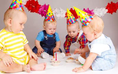 Знаючи темперамент дитини, ви зможете вирішити, відсвяткувати чи 1 рік в спокійній сімейній обстановці або покликати в цей день безліч гостей і придумати оригінальний сценарій