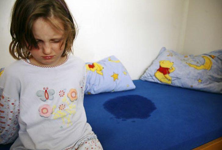 Нетримання сечі може з'явитися у дитини на тлі сильних переживань
