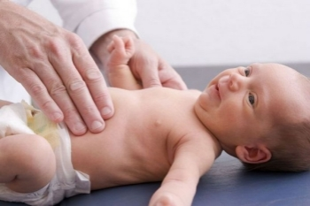 Збільшена селезінка у немовляти: причини, лікування?