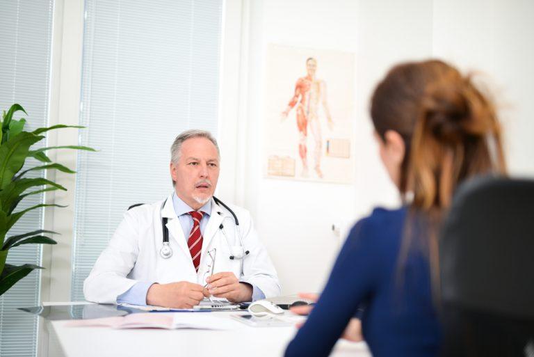 Гормони при клімаксі у жінок: приймати чи ні?