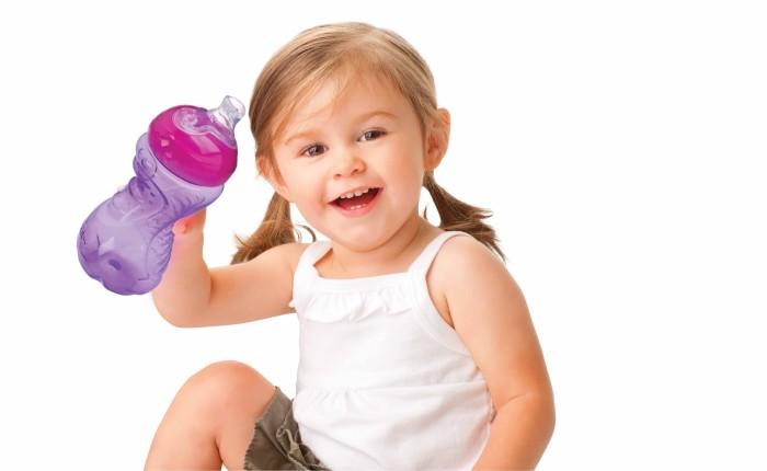 Як правильно відучити дитину від пляшечки?