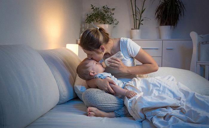 Як відучити дитину їсти вночі без шкоди для здоров'я малюка?
