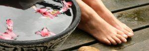 Тріщини на пальцях ніг і стопах: причини і лікування, можливі ускладнення