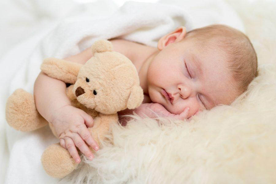 Що робити, щоб малюк добре спав з народження?