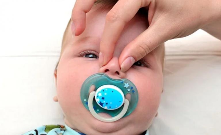 Немовля хлюпає або шморгає носом, але виділень немає - причини