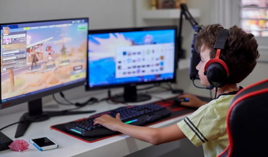 Дитина багато грає за комп'ютером. Що з нього виросте?